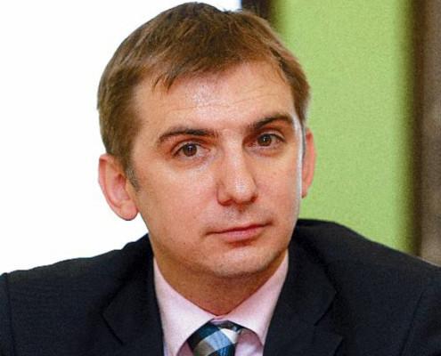 dr. Boštjan Petelinc