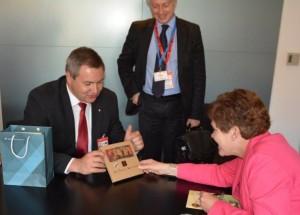 Židan s prestavnico ZDA na zasedanju FAO