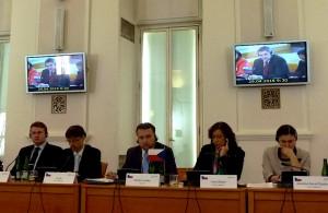 Židan med zasedanjem V4+4 v Pragi