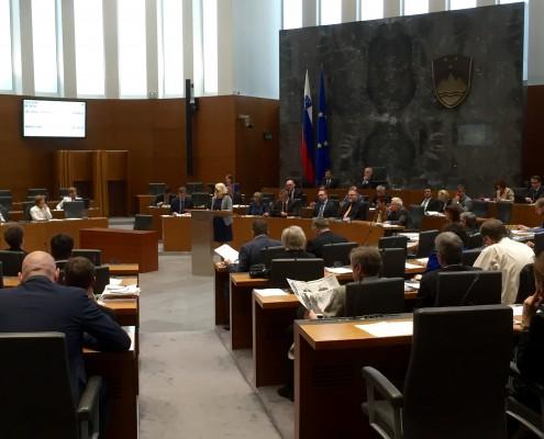 Anja Kopač Mrak ob interpelaciji v DZ