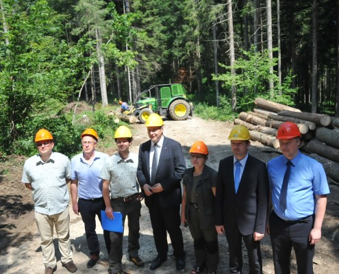 Židan in ekipa SiDG v gozdu